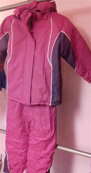 Lány Kétrészes Téli Overál kantáros nadrág és kabát szánkozáshoz ... a5efb3cf44