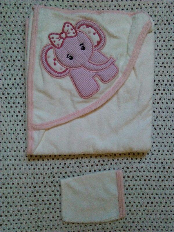 Kapucnis babatörölköző mosdókesztyűvel kislányoknak – Rongyos Rozi ... bfec82e8e6