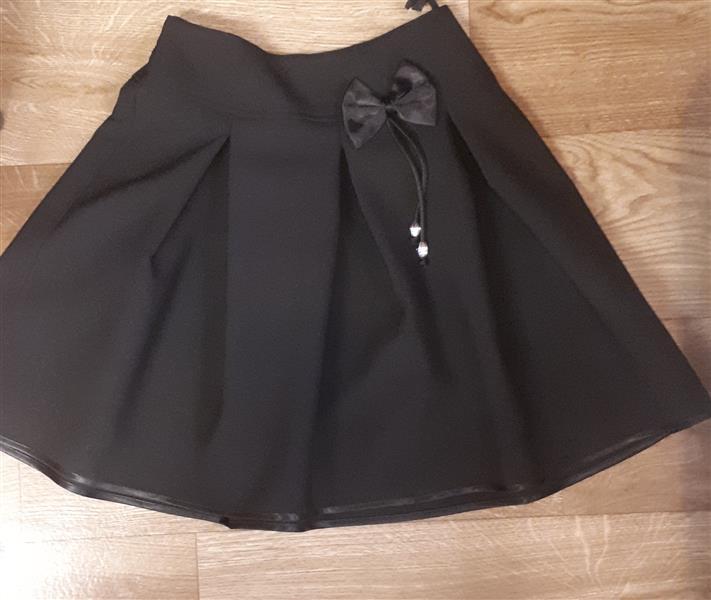Fekete ünneplő szoknya lányoknak – Rongyos Rozi – Új Babaruha és ... 5a76962751